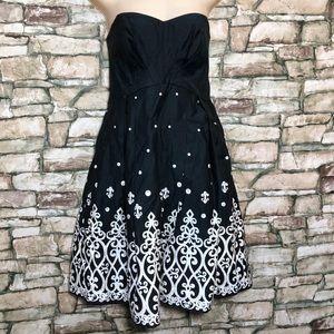 White House Black Market Women 6 Strapless Dress